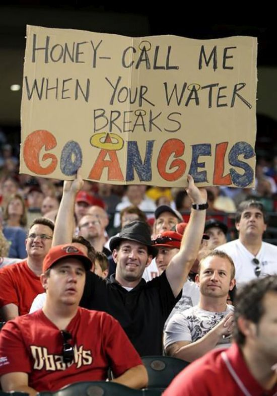 24 Funny and good sporting event signs 019