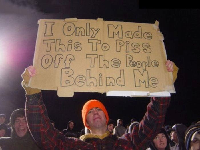 24 Funny and good sporting event signs 020