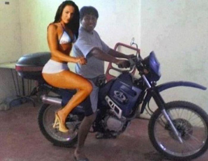 32 Worst Fake Photoshop Girlfriends 026