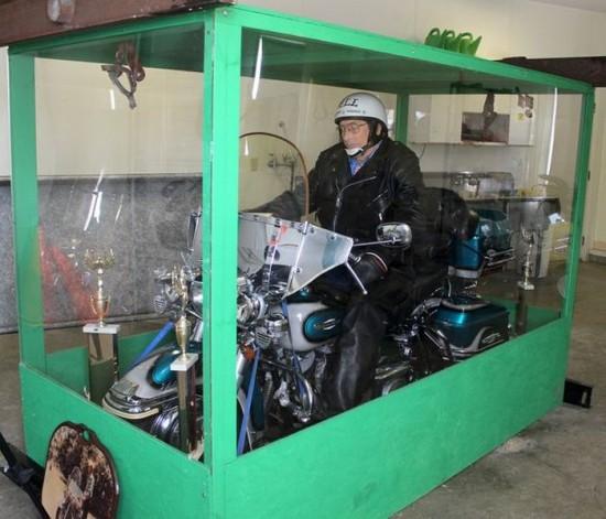Dead Biker Buried Riding Harley in Giant Transparent Casket 002