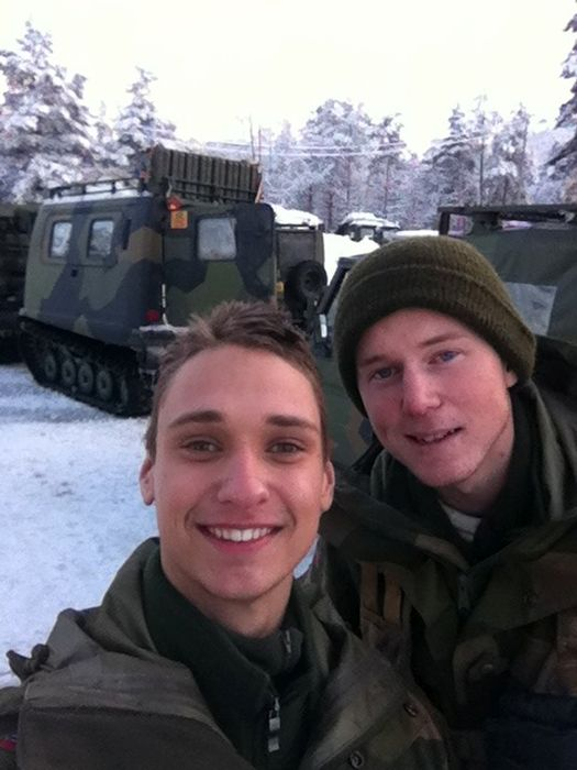 Soldiers from different armies take selfies 028