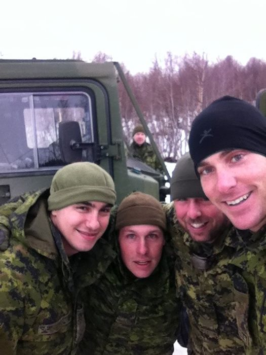 Soldiers from different armies take selfies 031