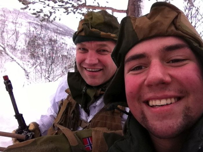 Soldiers from different armies take selfies 041