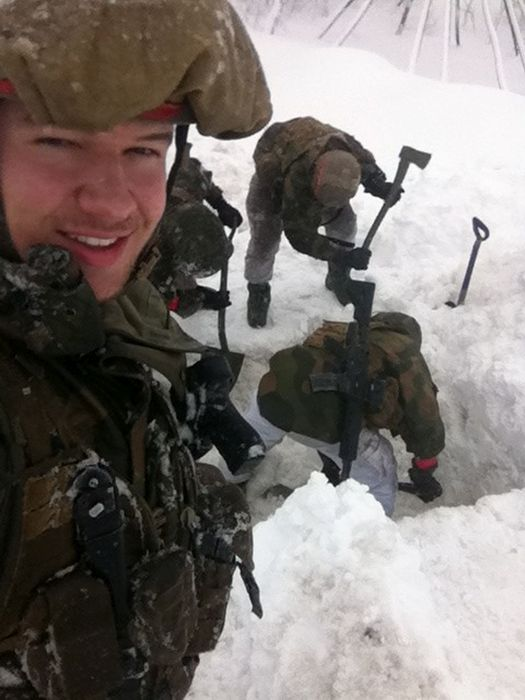 Soldiers from different armies take selfies 045