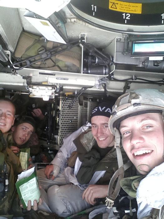Soldiers from different armies take selfies 046
