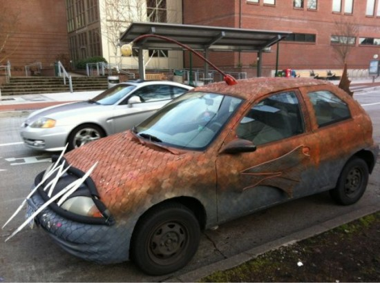 36 Crazy and Hilarious Car Pics 002