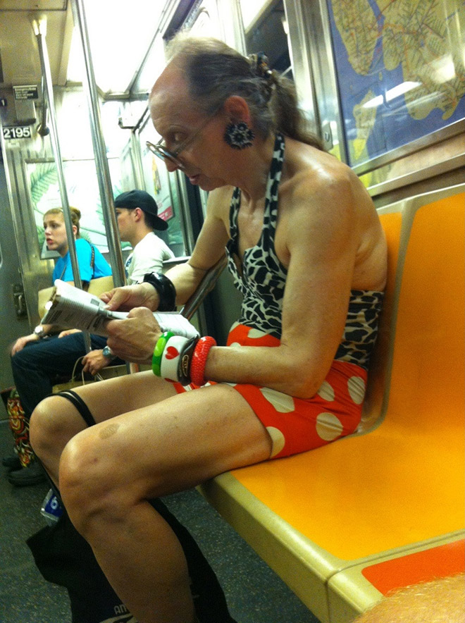 Crazy Stuff Spotted on the Subway 007